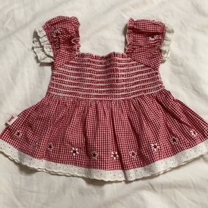 NWOT Pumpkin Patch smocked red check top w/daisies